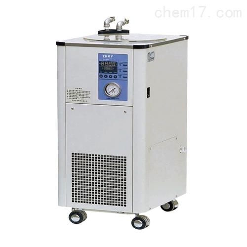 低温循环器