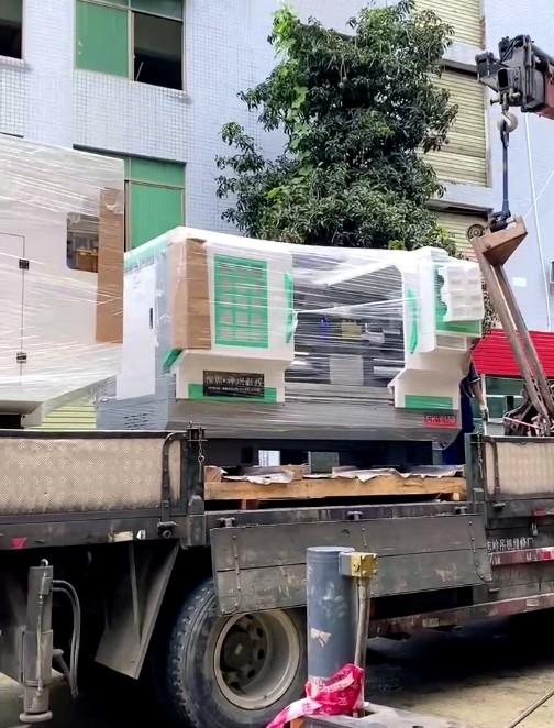 德氟厂房新增|一大波新设备陆续进厂!