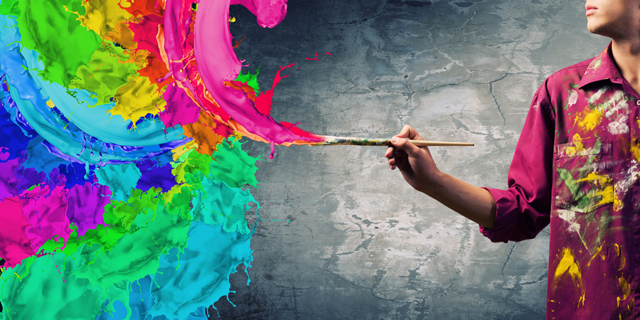 摄图网_300235255_手提画笔的男性画家(企业商用).jpg